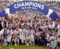 LA Galaxy Celebrate 2014 MLS Cup Mens Soccer SATIN 8x10 Photo