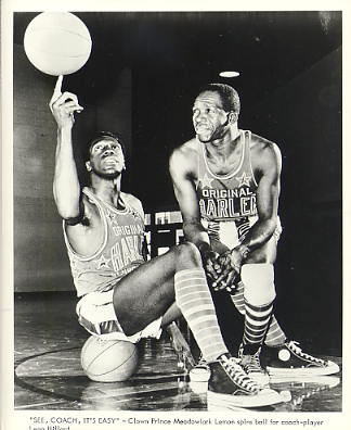 Meadowlark Lemon & Leon Hillard Harlem Globetrotters Original Press Photo / Wire Photo 8x10