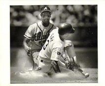 Steve Sax LA Dodgers 1987 Original Press Photo / Wire Photo w/ Caption Info Sheet on Back  8x10