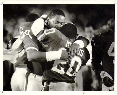 Andy Headen & Joe Morris 1986 New York Giants Original Press Photo / Wire Photo w/ Photographer Stamp on Back 8x10