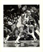 Kareem Abdul-Jabbar Los Angeles Lakers with Caption Info Sheet on Back Press Photo / Wire Photo 8x10