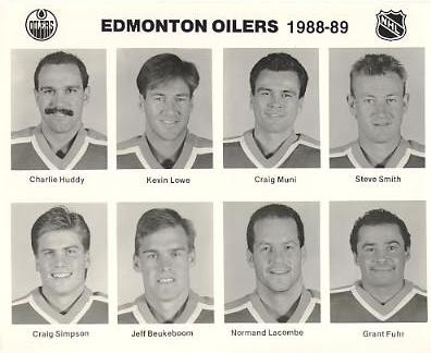 Charlie Huddy, Kevin Lowe, Craig Muni, Steve Smith, Craig Simpson, Jeff Beukeboom, Normand Lacombe, Grant Fuhr Edmonton Oilers 1988/89 Press Photo / Wire Photo 8x10