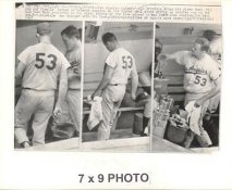 Don Drysdale LA Dodgers 1967 Original Press Photo w/ Sporting News Sticker on Back Slight Creases 7x9