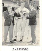 Don Drysdale LA Dodgers 1967 Original Press Photo w/ Sporting News Sticker on Back Slight Corner Crease 7x9