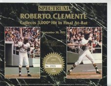 Roberto Clemente 3000th Hit Final at Bat Limited Numbered Spectrum With Gold Signature  8.25X10.5 Photo