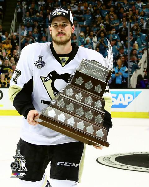 Sidney Crosby with Conn Smyth 2016 Stanley Cup Champs Pittsburgh Penguins SATIN 8x10 Photo