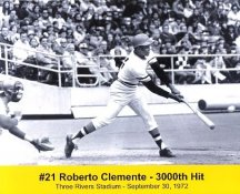 Roberto Clemente Pittsburgh Pirates 3000th Hit September 30, 1972 Three Rivers Stadium 8X10 Photo