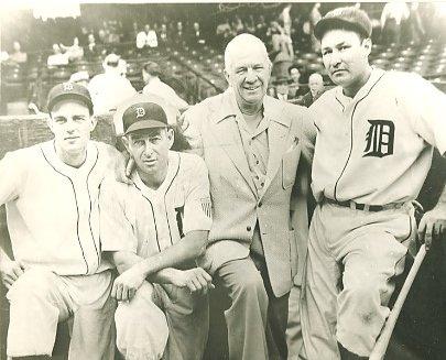 Dick Wakefield, Doc Kramer, Tris Speaker & Rudy York Detroit Tigers LIMITED STOCK 8X10 Photo