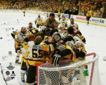 Penguins Celebrate Game 6 2017 Stanley Cup Champs Pittsburgh Penguins SATIN 8x10 Photo