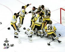 Penguins Celebrate Game 6 2017 Stanley Cup Champs Jumping on Goalie Matt Murray Pittsburgh Penguins SATIN 8x10 Photo