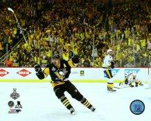 Evgeni Malkin 2017 Stanley Cup Champs Game 2 Goal Celebration Pittsburgh Penguins SATIN 8x10 Photo