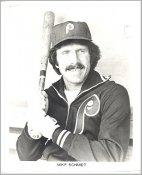 Mike Schmidt Philadelphia Phillies Slight Creases 8X10 Photo SUPER SALE