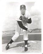Robin Roberts New York Yankees Slight Creases 8X10 Photo SUPER SALE