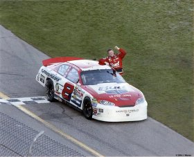 Dale Earnhardt Jr. 2004 Daytona Fist Photo 8X10