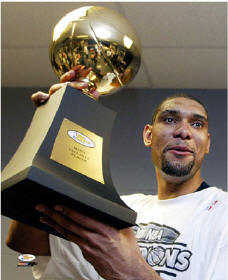 Tim Duncan 2003 MVP Trophy 8X10 Photo