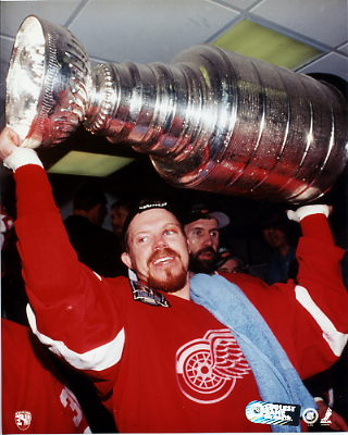 Kris Draper Stanley Cup 1997 Red Wings 8x10 Photo