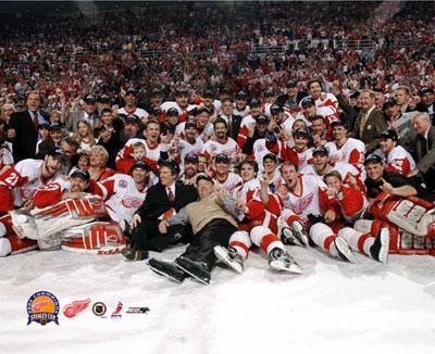 Detroit 2002 Stanley Cup Celebration LIMITED STOCK 8x10 Photo