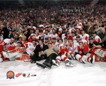 Detroit 2002 Stanley Cup Celebration LIMITED STOCK 8x10 Photo