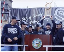Chicago 2005 World Series Team with Trophy LIMITED STOCK 8x10 Photo