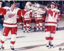 Igor Larionov & Fetisov Stanley Cup Detroit Red Wings 8x10 Photo