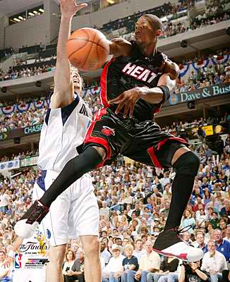Dwyane Wade LIMITED STOCK Game 2 2006 Champs Heat 8X10 Photo