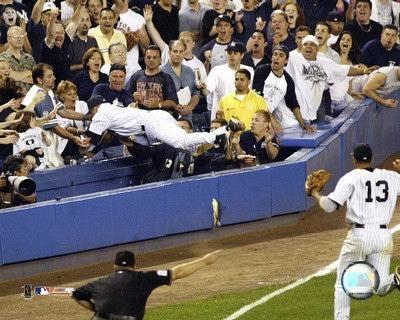 Derek Jeter 2004 Dive Yankees LIMITED STOCK SATIN 8X10 Photo