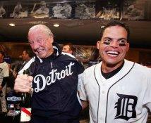 Ivan Rodriguez & Al Kaline Celebrate ALDS LIMITED STOCK Detriot Tigers 8X10 Photo