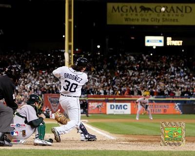 Magglio Ordonez 2006 ALCS 3-run walk-off Home Run Detriot Tigers 8X10 Photo
