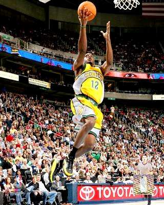 Damien Wilkins Seattle Sonics 8X10 Photo LIMITED STOCK