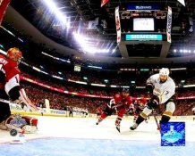 Dustin Penner Ducks 2007 Stanley Cup Game 4 8x10 Photo