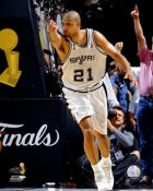 Tim Duncan 2007 Finals Game 1 LIMITED STOCK Spurs 8X10 Photo