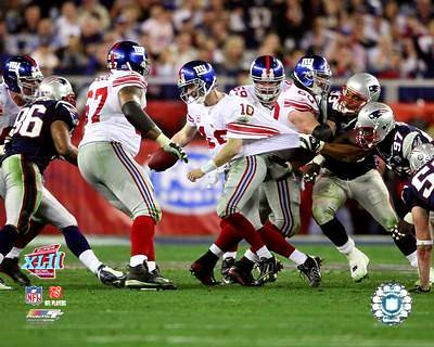 Eli Manning LIMITED STOCK Super Bowl 42 Scramble 8X10 Photo