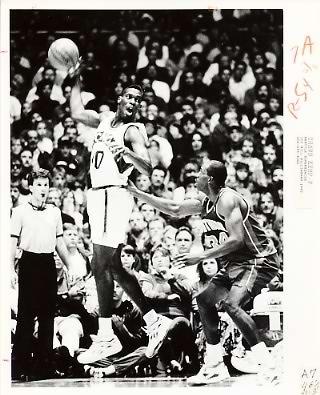 Shawn Kemp Sonics Team Issue Photo 8x10