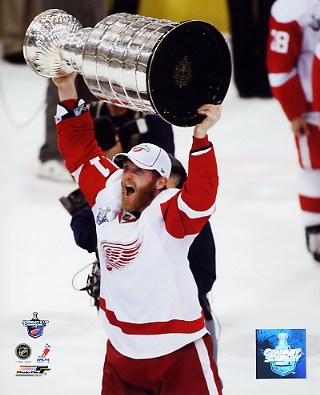 Dan Cleary 2008 Stanley Cup Red Wings 8x10 Photo