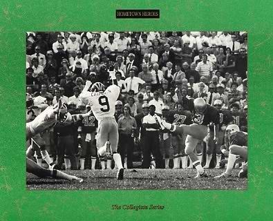 Harry Oliver 51 Yard Winning Field Goal Notre Dame vs Michigan 9-20-80 8X10 Photo