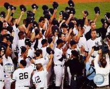 New York Yankees Salute Crowd Final Game at Yankee Stadium 8X10