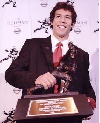 Sam Bradford Heisman Trophy Winner Oklahoma Sooners 8X10 Photo
