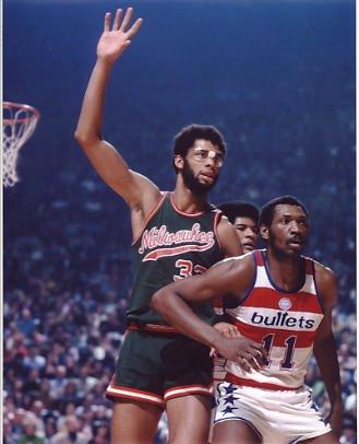 Kareem Abdul-Jabbar Milwaukee Bucks 8x10 Photo LIMITED STOCK