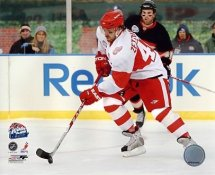 Henrik Zetterberg 2009 Winter Classic Detroit Red Wings 8x10 Photo