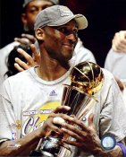 Kobe Bryant With MVP Trophy NBA Finals 2009 Los Angeles Lakers 8x10 Photo LIMITED STOCK