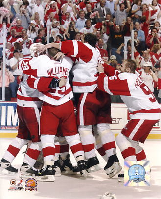 Detroit 2002 Celebration on Ice Stanley Cup Champs Red Wings 8x10 Photo