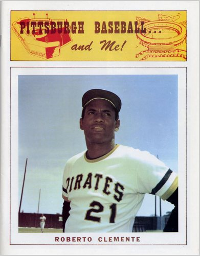 Clemente 1973 Souvenir Magazine with Newspaper Reprints & Roberto Clemente Photos 18 Pages