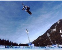 Shaun White 2010 Olympics Snowboarding Gold Medalist 8X10 Photo