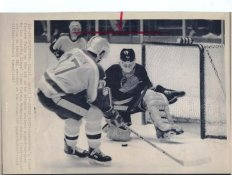 Frank Caprice Canucks Original Press Photo Laser Paper Stock Includes Newsclipping w/ Caption on Back Approx. 8.5x11
