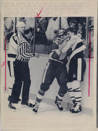 Todd Gill Maple Leafs Original Press Photo Laser Paper Stock Includes Newsclipping w/ Caption on Back Approx. 8.5x11