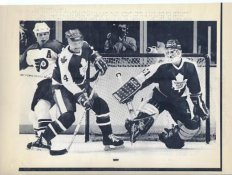 Ken Wregget Maple Leafs Original Press Photo Laser Paper Stock Includes Newsclipping w/ Caption on Back Approx. 8.5x11