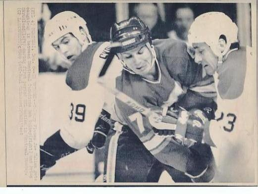 Joe Mullen Flames Original Press Photo Laser Paper Stock Includes Newsclipping w/ Caption on Back Approx. 8.5x11