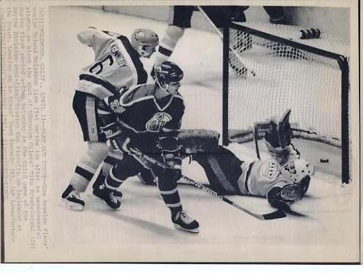 Roland Melanson Kings Original Press Photo Laser Paper Stock Includes Newsclipping w/ Caption on Back Approx. 8.5x11