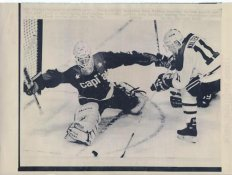 Pete Peeters Capitals Original Press Photo Laser Paper Stock Includes Newsclipping w/ Caption on Back Approx. 8.5x11