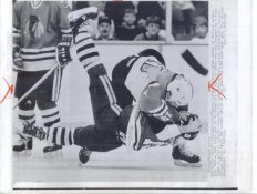 Troy Murray Blackhawks & Lindsay Carson Flyers Original Press Photo Laser Paper Stock Includes Newsclipping w/ Caption on Back Approx. 8.5x11